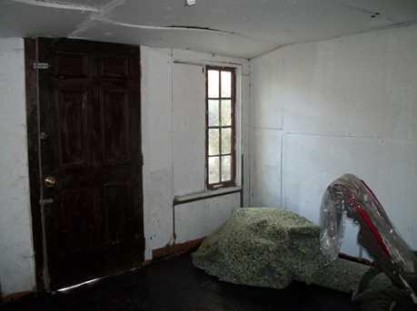 1563 Maryland Ave - Photo 6