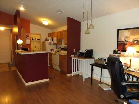 460 Lakeview Dr #10 - Photo 4