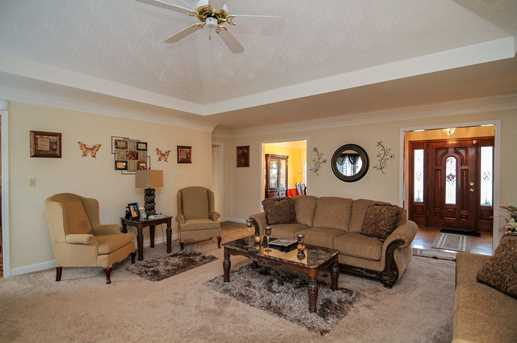 7903 Hall Farm Drive - Photo 4