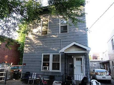 916 Roberts Street - Photo 2