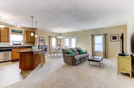 567 Riverpointe Drive #4 - Photo 6