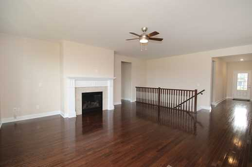 888 Lakerun Lane - Photo 4