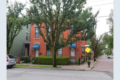 423-425 Russell Street - Photo 1