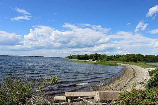385 Seapowet Av - Photo 12