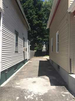 32 Lawrence St - Photo 2