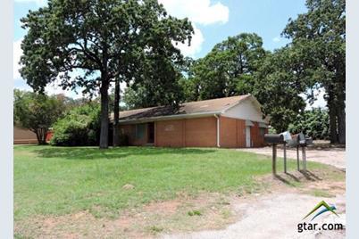 2805 W Oak - Photo 1