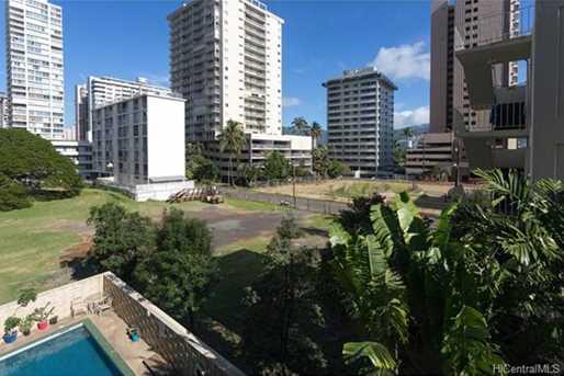 236 Liliuokalani Avenue #403 - Photo 12