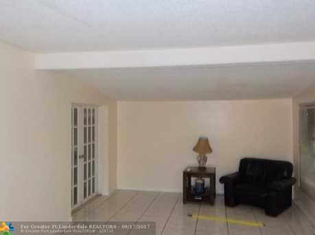 6105 NW 9th St - Photo 8