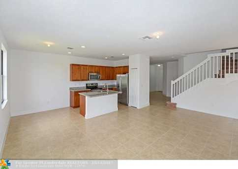 5711 NW 47th Ave - Photo 4