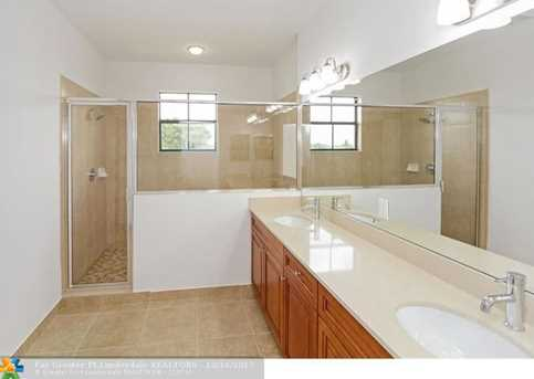 5711 NW 47th Ave - Photo 10