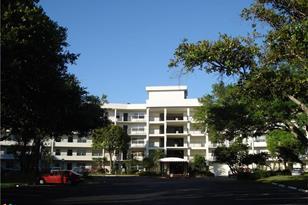 3900  Oaks Clubhouse Dr, Unit #411 - Photo 1