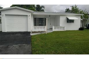 5021 NW 42nd Ct - Photo 1