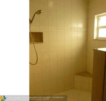 5754 NW 65th Ter - Photo 12
