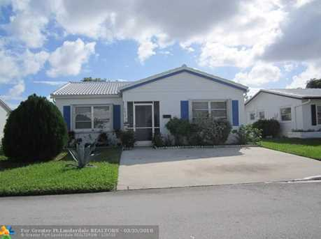 6610 NW 75th St - Photo 1