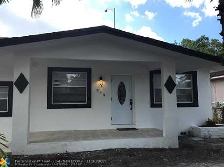740 NW 41st St - Photo 1