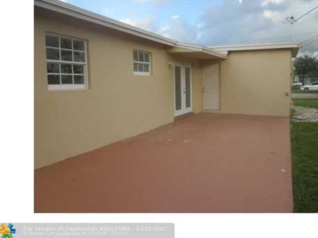6100 NW 16th Ct - Photo 2