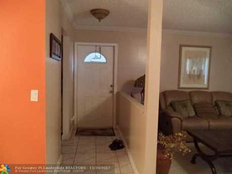 403 N Laurel Unit #204 - Photo 4