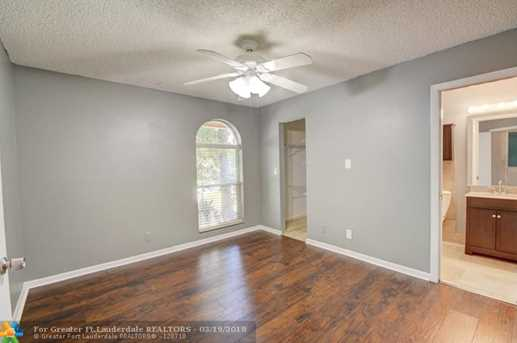 9883 NW 48th Ct - Photo 26