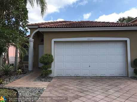 12401 Nw 54th Ct Coral Springs Fl 33076 Mls F10118037 Coldwell
