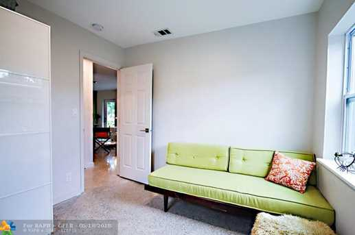 1625 NW 7th Ave - Photo 10
