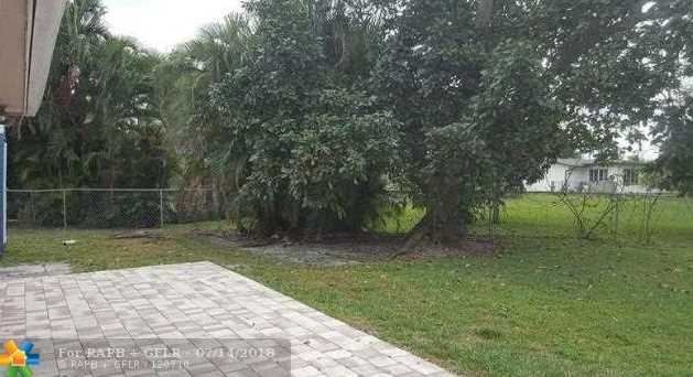 6130 NW 17th St - Photo 22