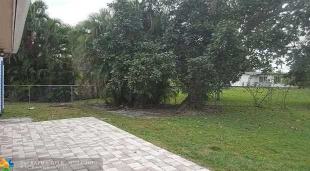 6130 NW 17th St - Photo 18