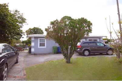 1618 NW 16th Ct - Photo 1