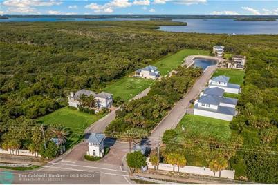 136  Ocean Estates Dr - Photo 1