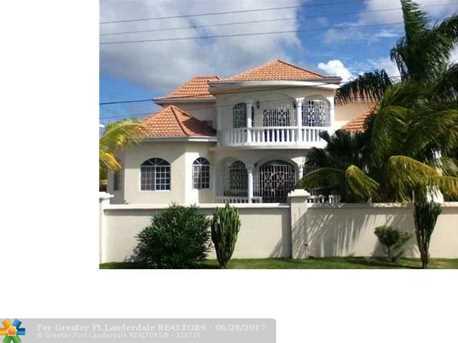 59 W Springfield, Jamaica - Photo 1