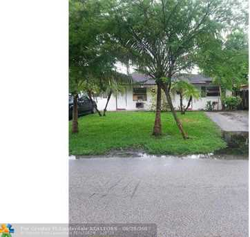 350 NW 17th Pl - Photo 1
