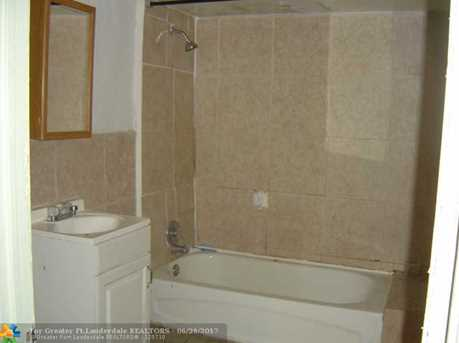 6131 Sw 40Th St - Photo 2