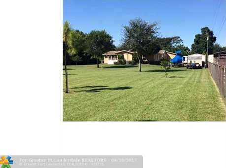2990 Sw 139Th Ave - Photo 2