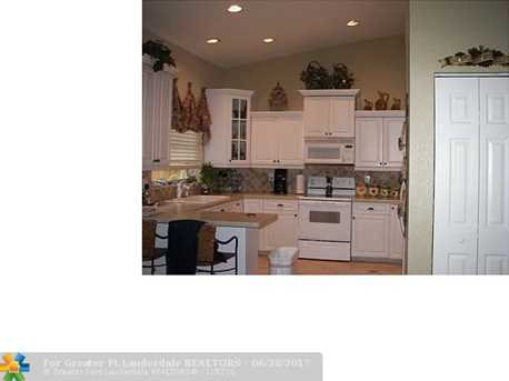 1460 Nw 97Th Ave - Photo 2
