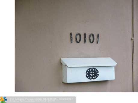 10101  Martinique Dr - Photo 2