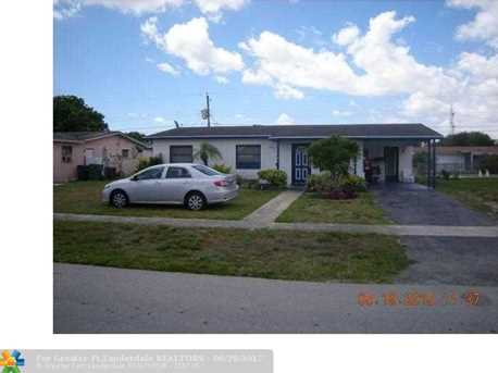 4960 NW 13th St - Photo 1