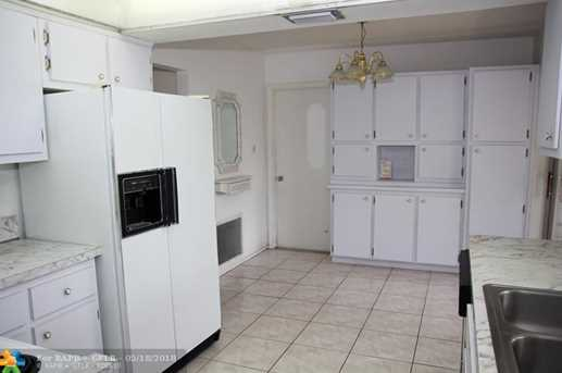 6012 NW 68th Ter - Photo 6
