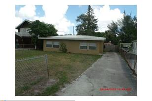 1225 NW 17th Ave - Photo 1