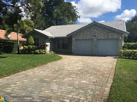 8414 NW 47th Dr - Photo 1