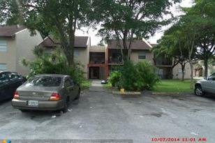 724 SW 81st Avenue, Unit #9B - Photo 1