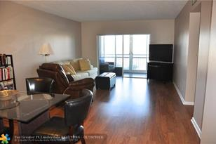 4400  Hillcrest Drive, Unit #302B - Photo 1