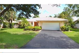 8264 NW 6th Ct - Photo 1