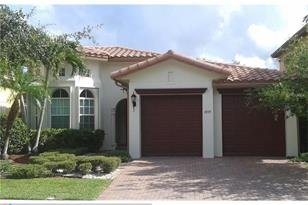 10715 NW 83rd Ct - Photo 1