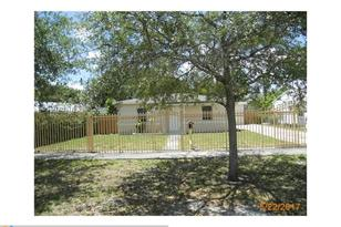 820 NW 126th St - Photo 1