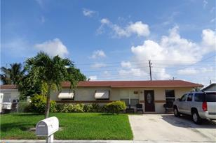 2340 NW 11th Ct - Photo 1