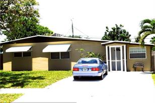4241 NW 10th Ter - Photo 1