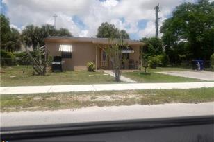 1221 NW 23rd Ter - Photo 1