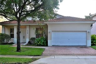 2736 SW 138th Ave - Photo 1