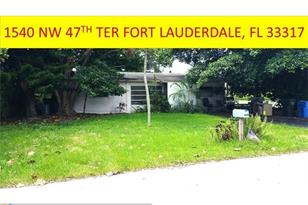 1540 SW 47th Ter - Photo 1