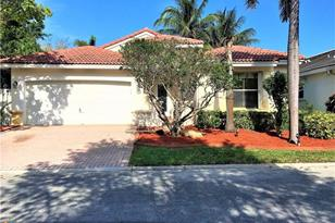 4814 SW 34th Ter - Photo 1