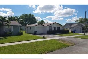 7304 SW 5th Ct - Photo 1